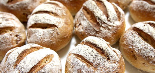 手作りいちじくライ麦パン