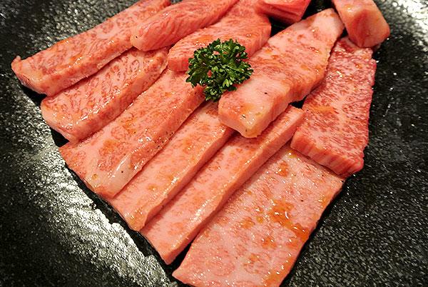 食べログ東京焼肉ランキング1位。あの牛蔵に初めて行ったー!食べたー!