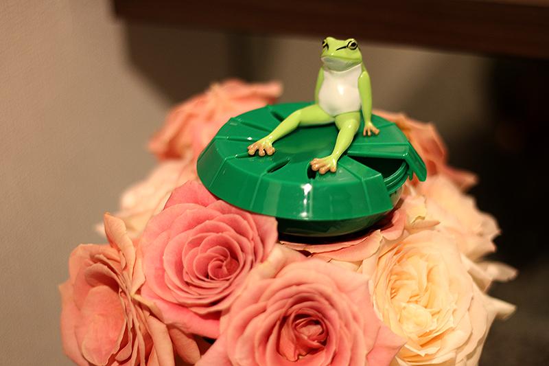 蛙田捕太郎主任バラの上